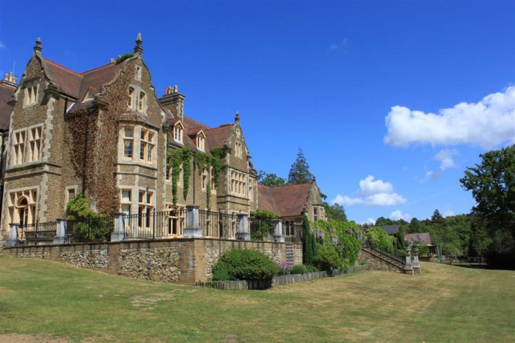 picture of Edgeborough School