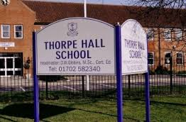 Thorpe Hall School emblem